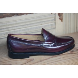 G.H. Bass & Co. Logan Flat Panel Loafer Burgundy